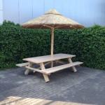 picknickbank met rieten parasol 280 cm