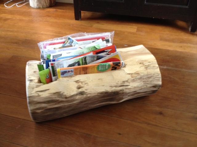 Verwonderlijk houten lectuurbak, krantenbak - Hout Creatief » Hout Creatief NK-79