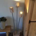 staande lamp van eikenhout