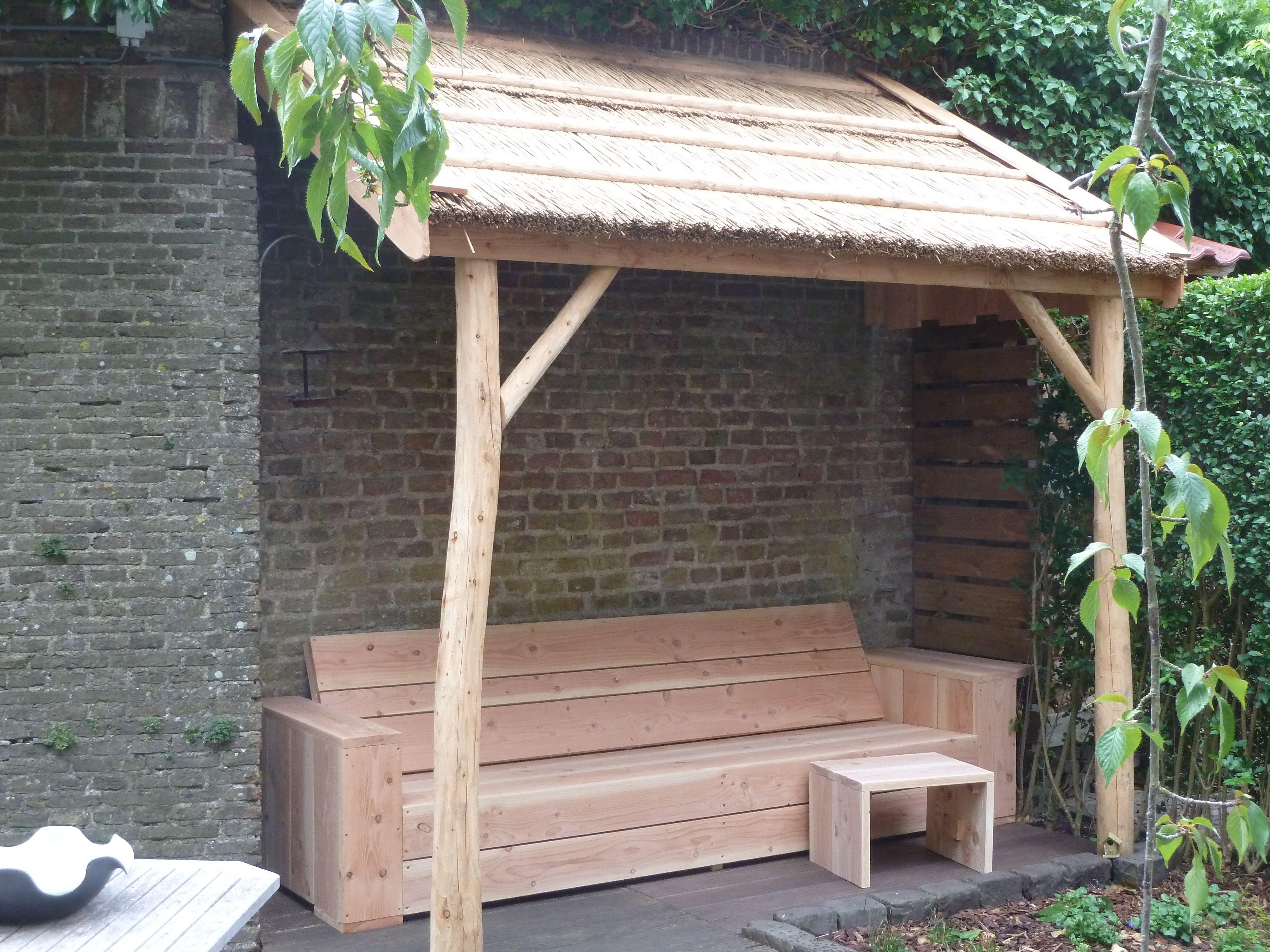 tuin overkapping, veranda met rieten dak
