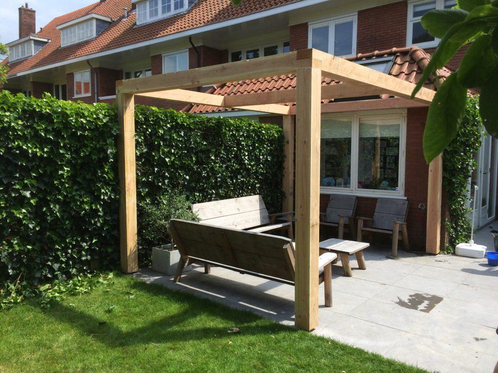 Overkapping voor uw tuin van hout en riet hout creatief hout creatief - Bedekking voor pergola ...