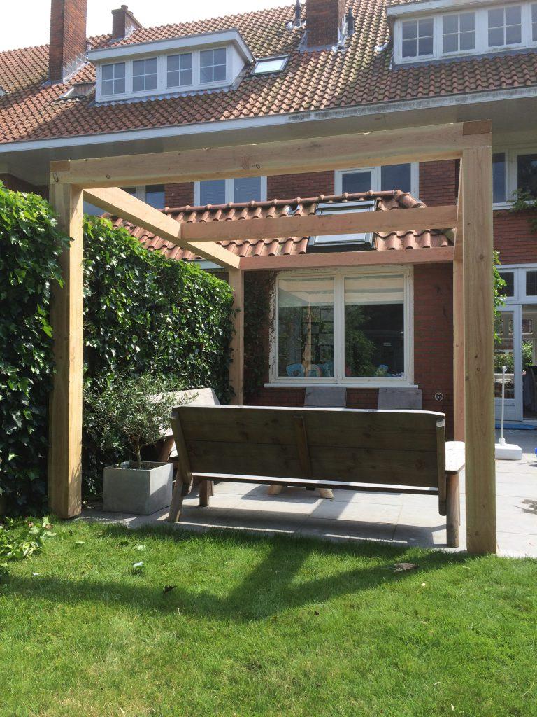 Overkapping voor uw tuin van hout en riet hout creatief hout creatief - Pergola dak platte ...