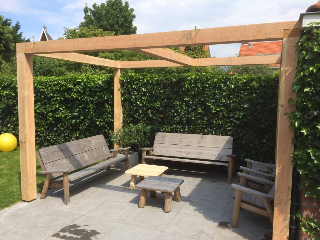 Overkapping voor uw tuin van hout en riet hout creatief hout creatief - Pergolas hout adossee ...